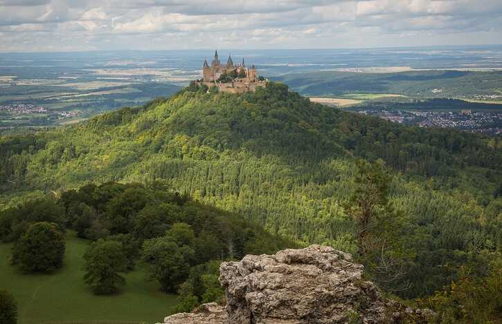 jura souabe en allemagne zollernalb chateau des hohenzellern