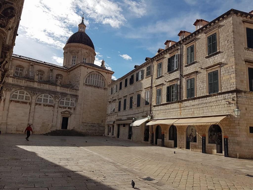 Dubrovnik une ville fantôme à cause du covid en Croatie