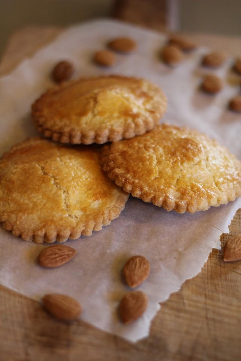 gevulde koeken sablés fourrés aux amandes