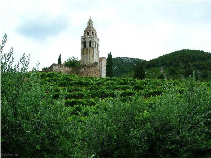 komiza monastère saint nicolas sur l'île de vis