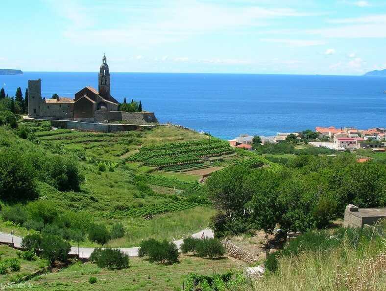 monastère saint Nicolas à komiza sur l'île de vis