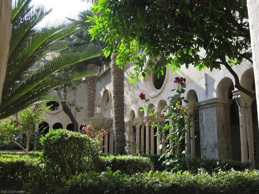 dubrovnik cloitre monastere franciscain
