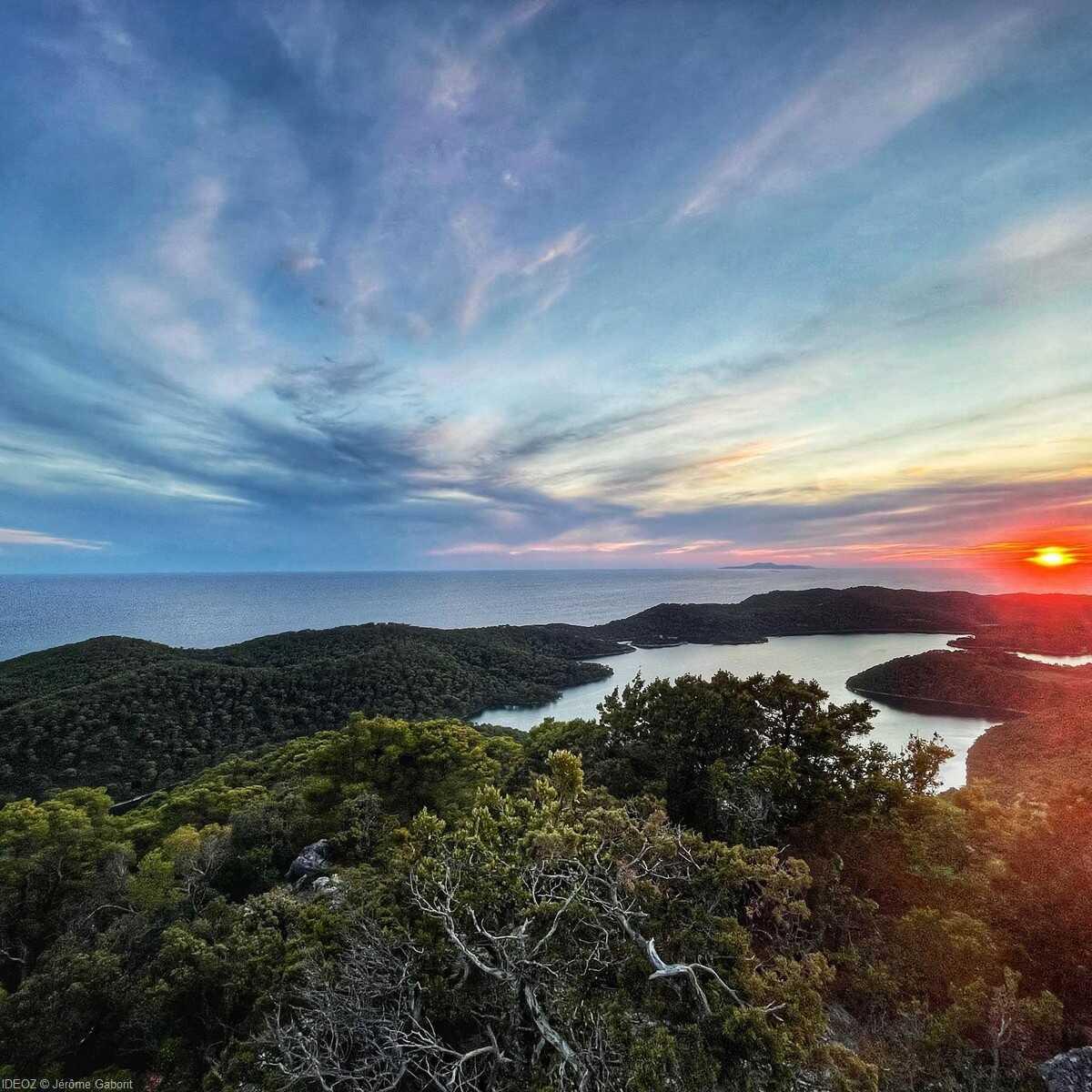 coucher de soleil sur les lacs de mljet