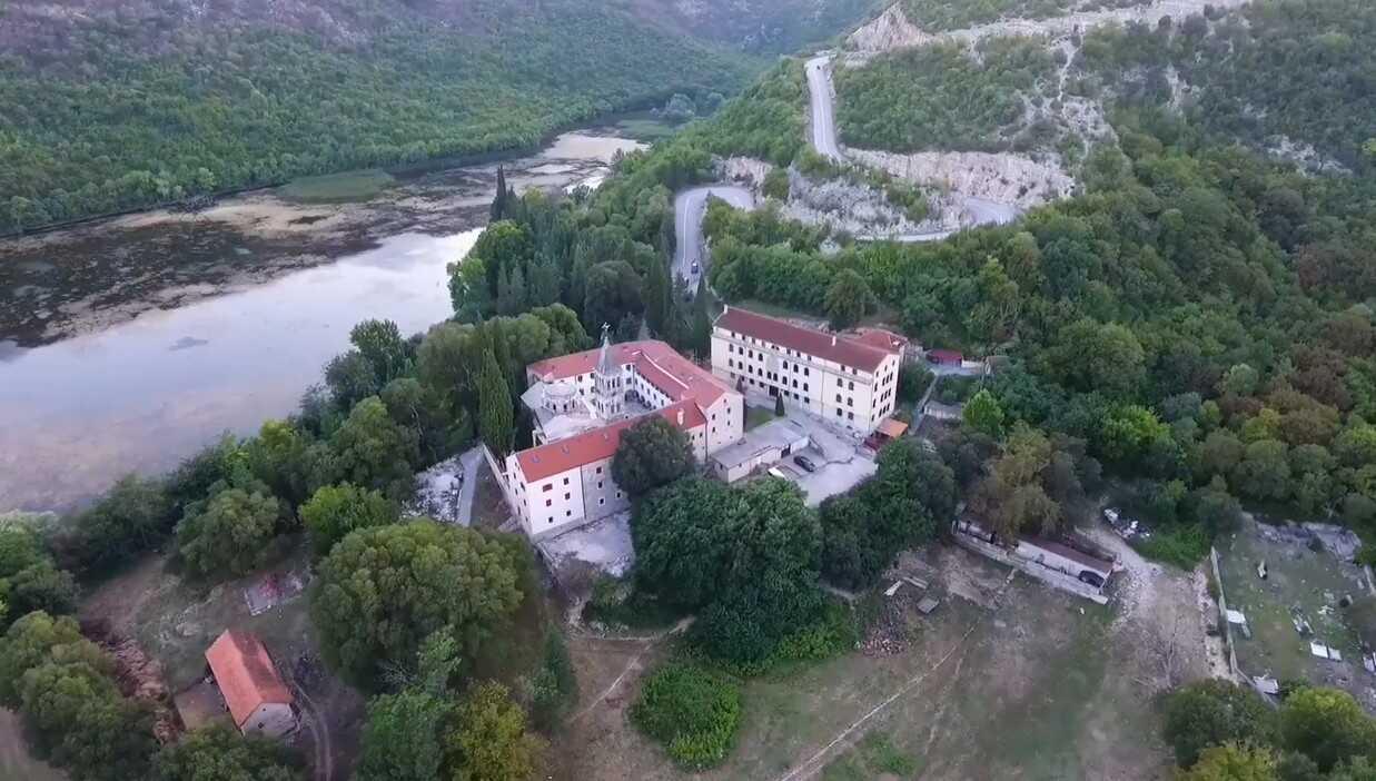 manastir krka monastere serbe orthodoxe en dalmatie du nord