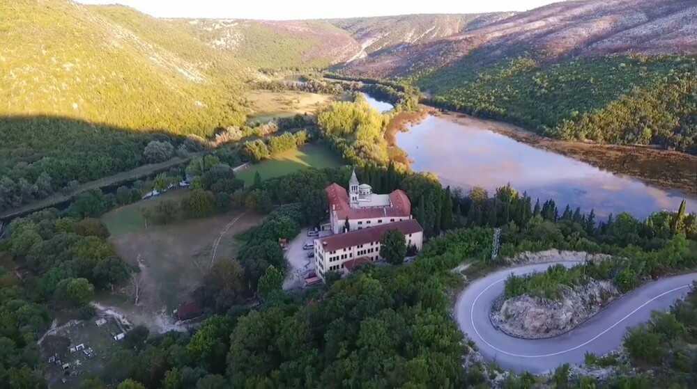 monastere krka dans le parc de krka