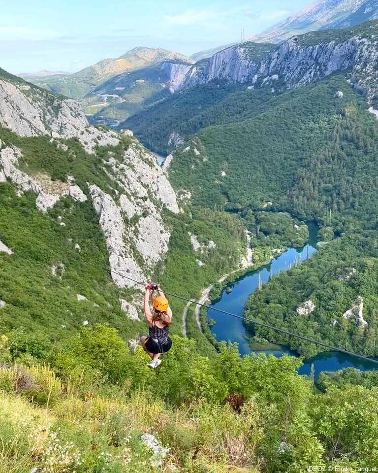 tyrolienne sur la riviere cetina