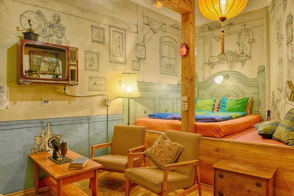 lavender circus hostel budapest