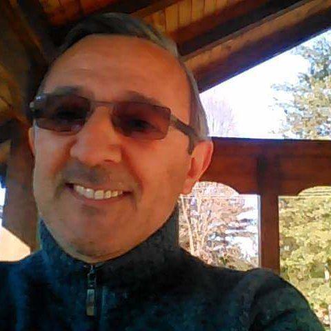 Daniel Klenkovic d'origine serbe se partage entre la France et la Serbie et participe au forum Serbie d'IDEOZ